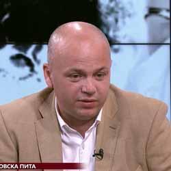 """Александър Симов: Ще помоля Кирил Добрев да участва в """"Беновска пита"""", а Корнелия Нинова има свещеното право да избира къде да говори"""